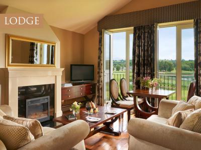 Lodge Living Room Turrett
