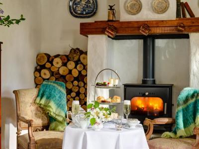afternoon_tea_lodge