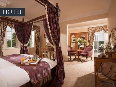 Lakeview Hotel Suite