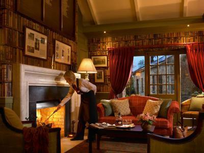 Club House - Fireside.jpg