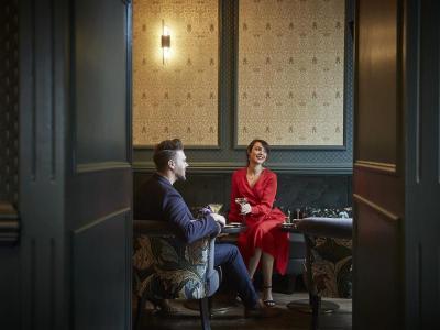 Feb 2020 Oyster Bar Couple