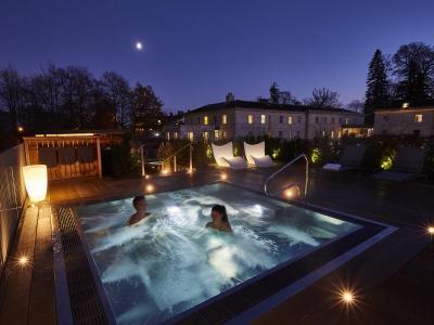 Spa Bath Starlight Two.jpg