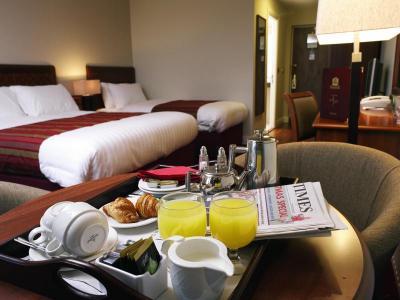 McWilliam Park Hotel Bedroom.jpg