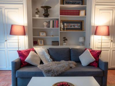 George 1BR Living Room 01