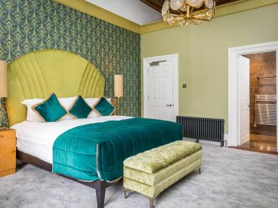Green Georgian Room