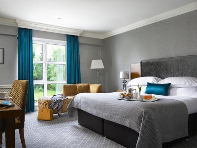 Deluxe Room at the Killarney Park Hoel