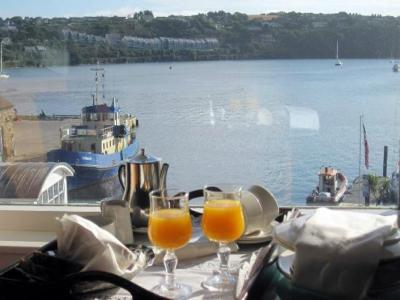 Trident Hotel orange juice